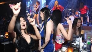 Thai girls partying in a club in Bangkok