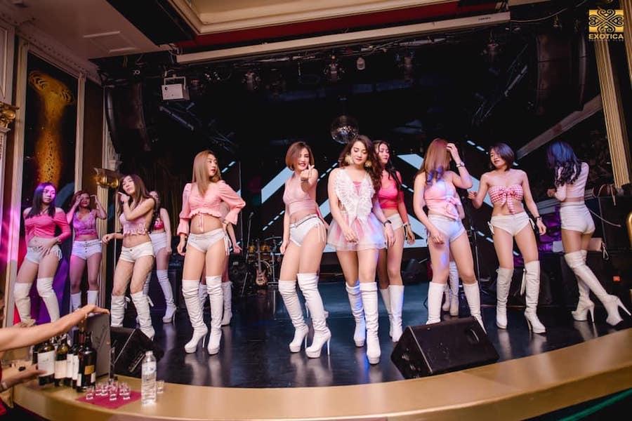 Beautiful Thai girls on stage at Exotica Club Bangkok