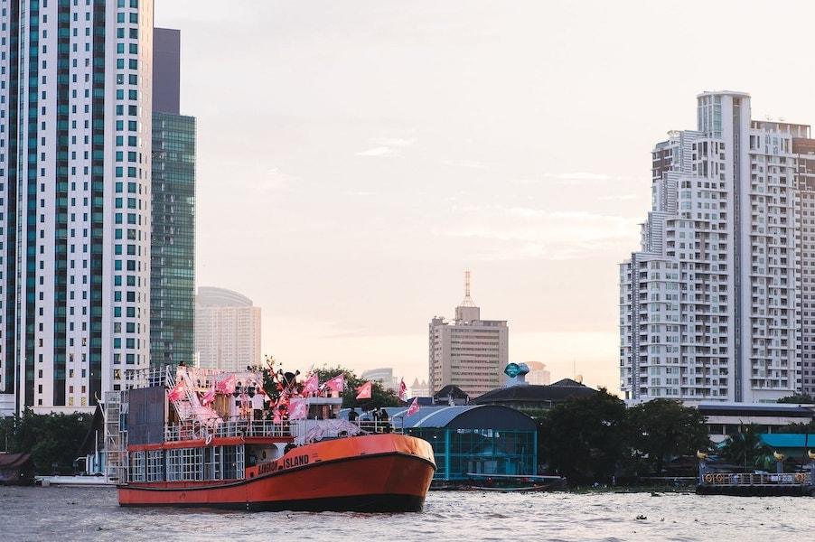 boat party in Bangkok on Bangkok island boat