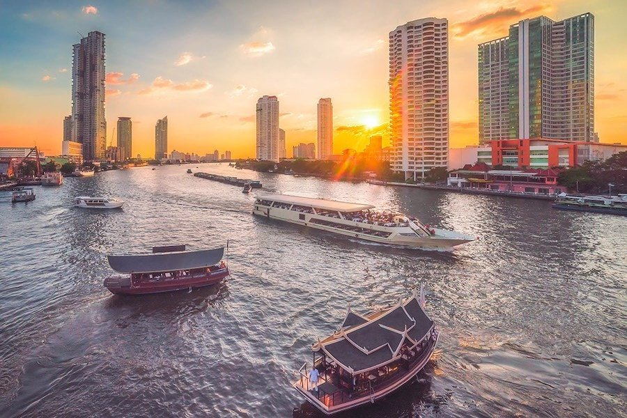 cruises in Bangkok during sunset