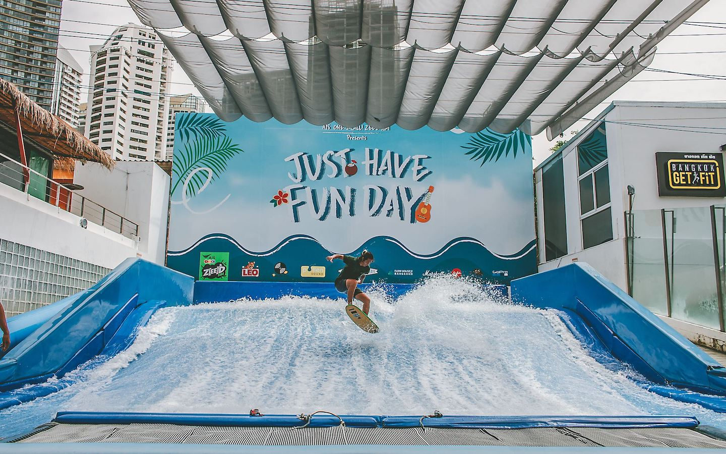 surfing in Bangkok at flow house