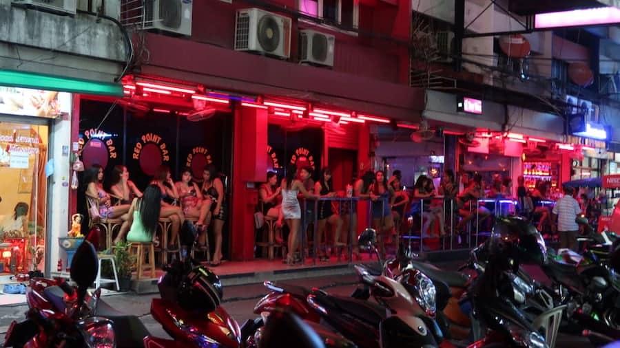 lady bar in Soi 6 in Pattaya