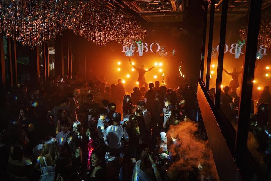 light show at Bobo club in Bangkok