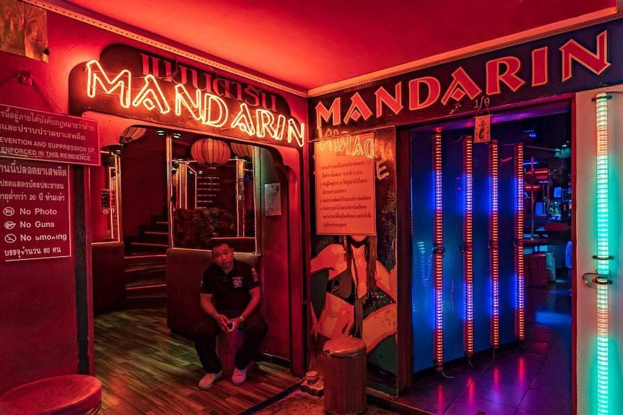 entrance of mandarin gogo bar in Bangkok