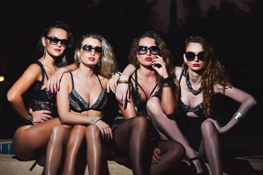 russian bar girls at Stars Club in Walking Street Pattaya