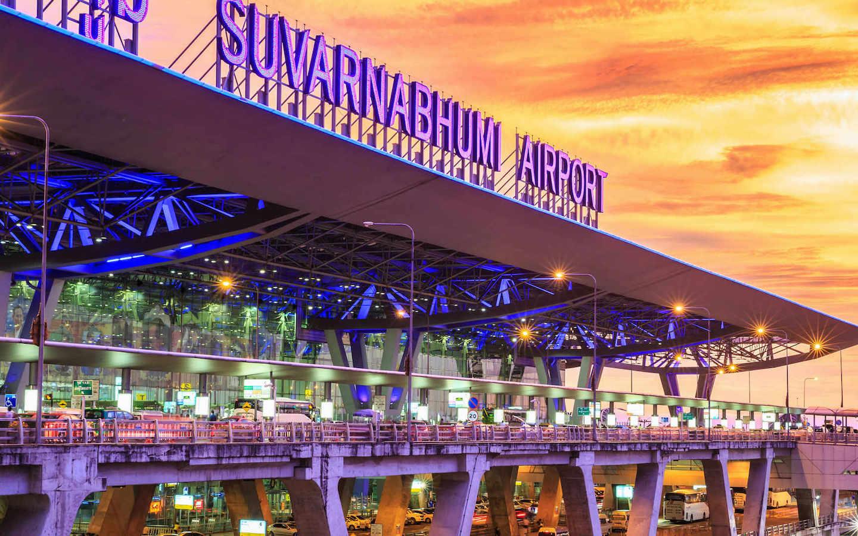 arrival lane at suvarnabhumi airport in Bangkok
